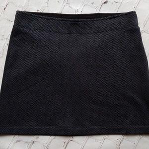 Athleta Grey Herringbone Fleece Lined Skirt
